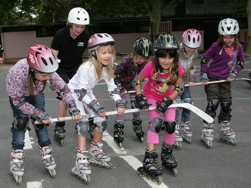 Kinder bei Skate@school