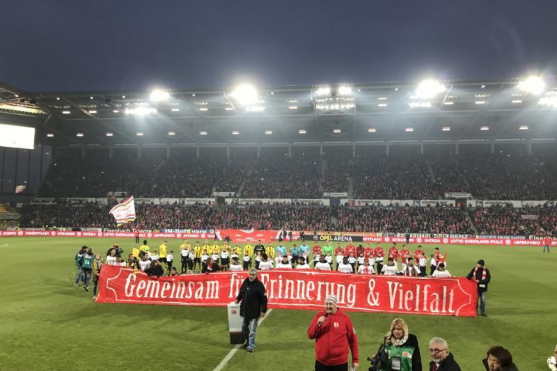 Kletterausrüstung Dortmund : Einlaufkinder intersport events